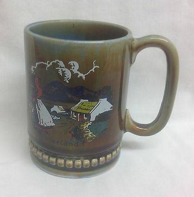 Wade Irish Ireland green mug colleen girl mountains cottage