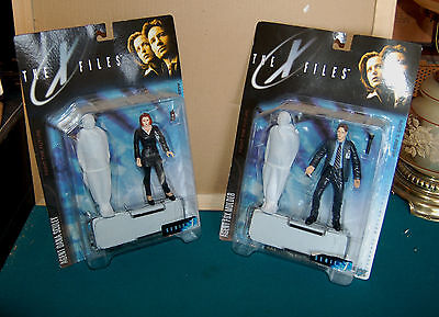 McFarlane X-Files Agents Scully and Mulder Action Figures NIP