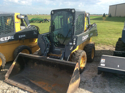 2014 John Deere 320E Skid Steer Loader