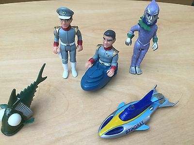 Collectors Matchbox Stingray Action Figures (3)  With Stingray And Fish Vgc