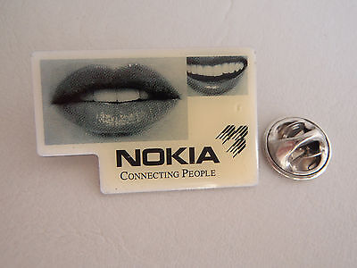 Pin Nokia Connecting People badge Mobil Phone