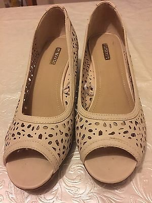 Ladies Worn Once Size 8 Wedge Sandals Cream