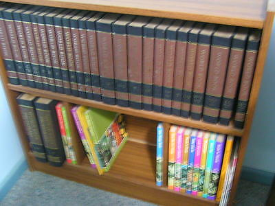 Wotld Book Encyclopedia with book case All volumes  about 1981