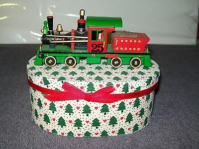 1986 ROMAN INC EVERGREEN EXPRESS DECORATIVE CHRISTMAS WOODEN BOX w/WOODEN TRAIN
