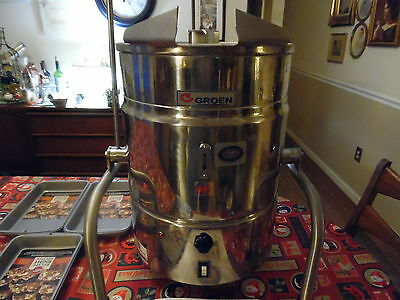 2014 Calico Cottage Electric Fudge Kettle with Extras