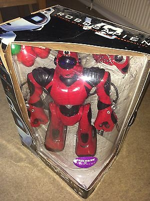 """WowWee Robosapien RS V2 Robot Red 22"""" Tall Boxed With Remote 2005 Rare Complete"""