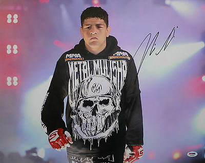 NICK DIAZ STRIKEFORCE CHAMPION SIGNED AUTHENTIC 16 x 20 FIGHT PHOTO PSA/DNA COA