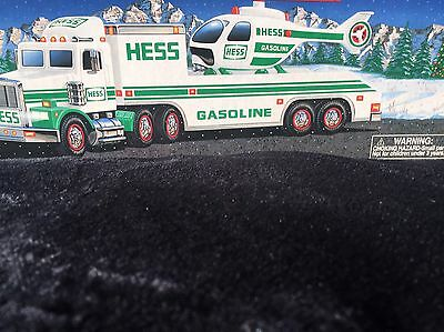 1995 HESS Toy Truck and Helicopter. Real Head And Tail Lights. No Batteries.