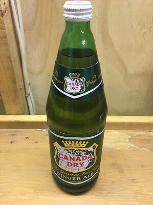 1973 28 Ounce Canada Dry Ginger Ale UnOpened Full Green Glass Bottle