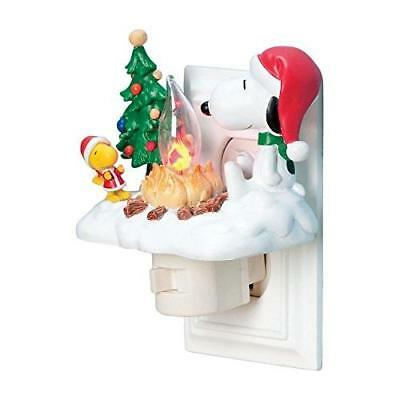 Peanuts 4-1/4-Inch Snoopy and Woodstock at Campfire Nightlight New