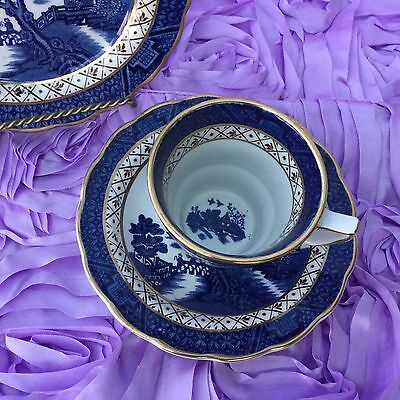 Booths Real Old Willow A8025(1944/81) Cup & Saucer Gold Edge Brown Trellis