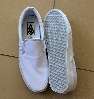 VANS White UNISEX Shoes Size US 8.5 LIKE NEW!!!