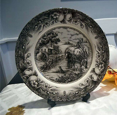 Royal Stafford HAYRIDE Dinner Plate 6210172 - DECORATIVE OR EVERYDAY USE