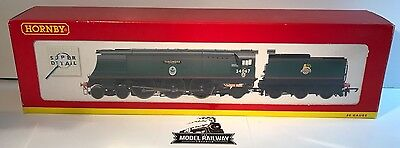 """Hornby ~ R2221 - BR 4-6-2 BATTLE OF BRITAIN CLASS """"TANGMERE"""" - PREOWNED RARE"""