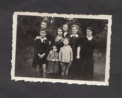 c1930s Original Photo: 8 Members of a Family Group, Germany