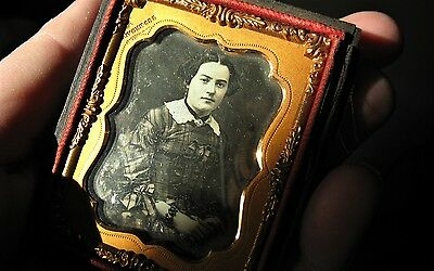 1/9th Plate 1860s Daguerreotype of a Beautiful Young GentleWoman