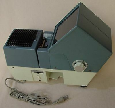 Twin Cabin Slide Projector 100 Volts ( Usado )