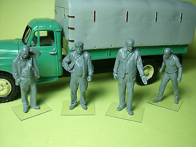 4  Figurines  1/43  Set 208  L' Entreprise  De  Transport  Vroom  Unpainted
