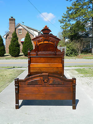 Lovely Victorian Walnut and Burl High Back Bed c1870