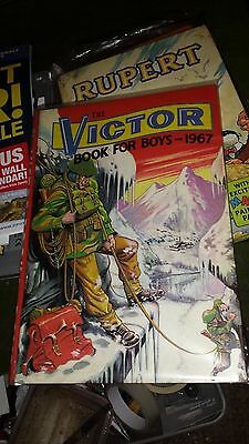 THE VICTOR BOOK for BOYS -Annual-Year 1967