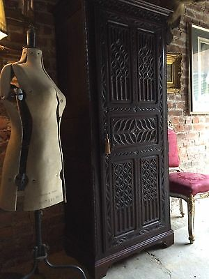 Stunning Antique Gothic Oak Hall Cupboard Early19th Century Heavily Carved
