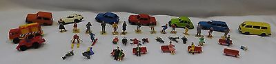 HO Scale 32  People  9 Vehicles  Lot