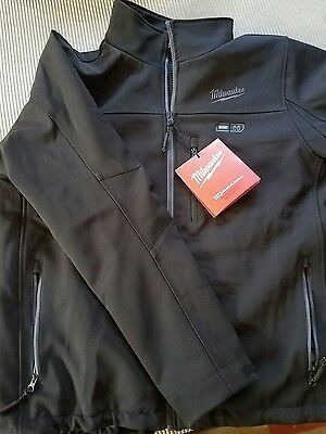 milwaukee heated jacket large/ kit  with extra spare battery pack. See details!