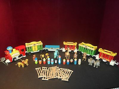 Vintage Fisher Price Little People TRAIN LOT #991 LOADS of EXTRA!!!