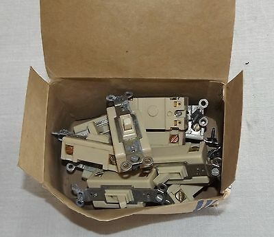 Box of 10 Challenger Ivory 3 Way Quiet Toggle Light Switches, #3333 – 1.2, NOS