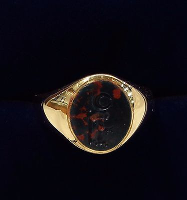 Antique c.1937 Gents Blood Stone Intaglio Signet Ring in 18ct Yellow Gold