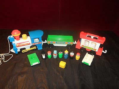 Vintage Fisher Price Little People Play Family TRAIN LOT # 2581