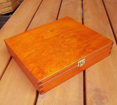 New Wood Box 27X21X5 Cm Lockable Latch In Light Brown Color