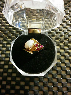 10K Gold Ring - Size 6 3/4 - Ladies -  Opal