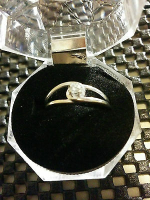 10K Gold Ring - Size 7 1/2 - Ladies -  Solitare Diamond