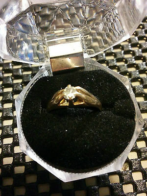 10K Gold Ring - Size 6 - Ladies -  Solitare Diamond