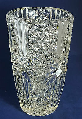 Stunning Vintage Very Heavy and Large Cut Glass Crystal Vase. Weight: 2.630 Kg