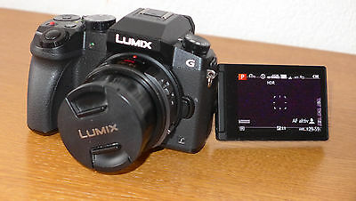 Panasonic LUMIX DMC-G70 16.0 MP Digitalkamera - Schwarz mit Powerzoom 14-42mm