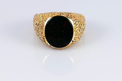 9ct Yellow Gold Gents Oval Bloodstone Set Signet Ring