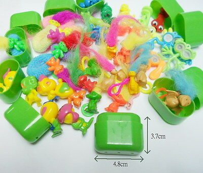 100Pc Green Capsule Filled Assorted Figure Toy Kids Party Favor Vending novelty