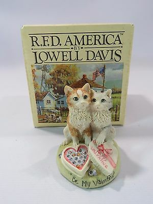 R.F.D. America by Lowell Davis Be My Valentine Cats Signed In Original Box JH