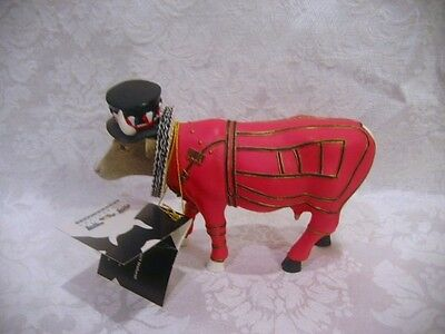 Cow Parade Beefeater Cow  #7247 2002 London Cow Figurine