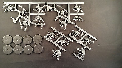 Warhammer Quest Silver Tower Grot Scuttlings lot of 8 miniatures on sprue