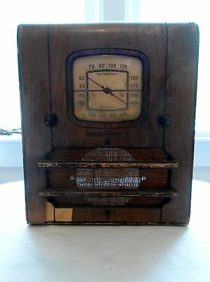 1939 General Electric H-41b Tube 'Mini' Tombstone Radio Table Top Battery Power