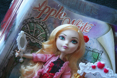 EVER AFTER HIGH, APPLE WHITE (Daughter Snow White, Hija Blancanieves). BRAND NEW