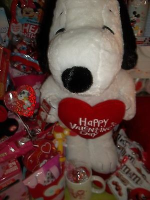 PEANUTS SNOOPY Valentine's GREETER Collectible CARTOON KIDS Valentine DaY HEART