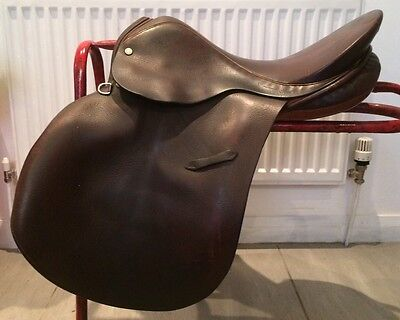 "17"" Lovatt & Rickets GP Saddle Medium High Wither Brown English Leather"