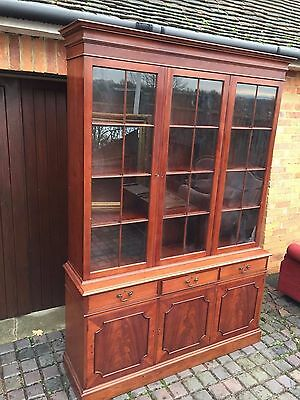 Reproduction Mahogany Bookcase Cupboard Dresser / Super Quality / Delivery £55