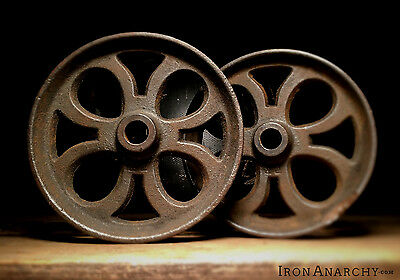 2 ORNATE IRON CART WHEEL PAIR, Vtg Antique Cast Metal Industrial Coffee Table
