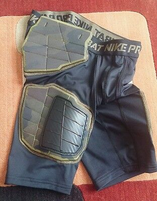 NWT NIKE HYPERSTRONG PRO COMBAT COMPRESSION Boys Shorts Football Pads Size M