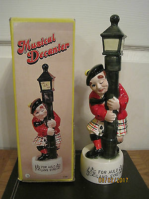 """New Rare Musical Vintage Whisky Decanter """"For Auld Lang Syne"""" (Boxed)"""